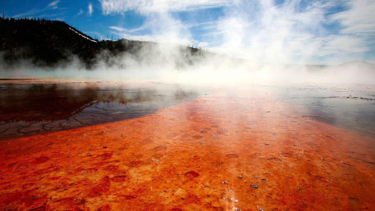 Вулкан Йеллоустоун станет карой небесной: извержение после землетрясения в США 2016